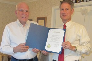 Dr. Eldon Hastings and Town of Gilbert Mayor John Lewis presenting Proclamation for Dental Assistant Recognition Week